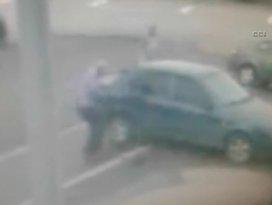Muhtara silahlı saldırı anı kamerada