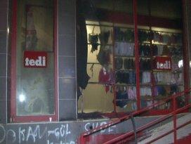 Sultangazi'de tekstil mağazasına molotoflu saldırı