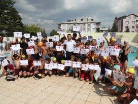 Seydişehir Belediyesi yüzme kursları sertifika töreni ile sona erdi