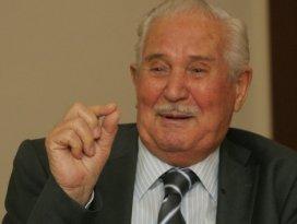Türkiyenin Peynir Kralı Mecit Bahçıvan hayatını kaybetti