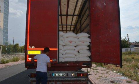 Konya İHH 174. un yüklü tırını Suriye'ye gönderdi