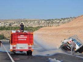 Tüp yüklü kamyonet kaza yaptı: 1 yaralı