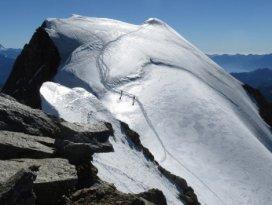 Alplerin zirvesinde adrenalin ve keyif bir arada