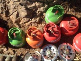 Kovan Tepe'de teröristlerin cephaneliği bulundu