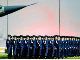 TSK'dan 233 asker daha ihraç edildi