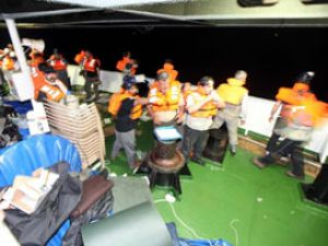 İsrail donanmasından yardım gemilerine taciz