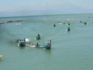 Beyşehir gölünde yüzme sezonu başladı