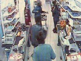 Soygun haberi izleyip, marketi gasp ettiler