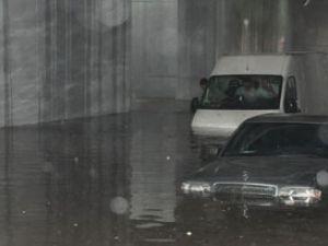 Konyada çok sayıda evi su bastı