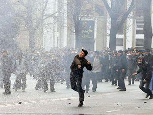 Kırgızistanda 18-50 yaş grubu askere alınıyor