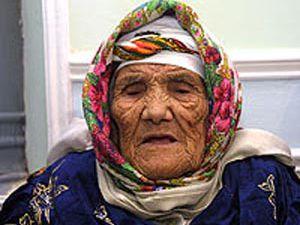 Dünyanın en yaşlı insanı, 130. yaş gününü kutladı