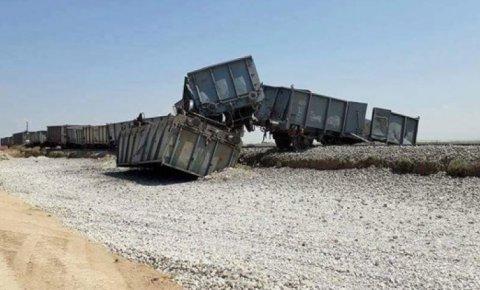 Konya'dan Karaman'a giden tren raydan çıktı