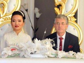 Çinli geline dini nikah ve Türk düğünü