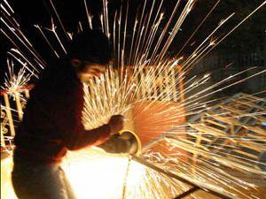 Sanayi üretimi yüzde 15.6 arttı