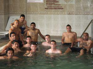 Konyaspor havuzda dinleniyor