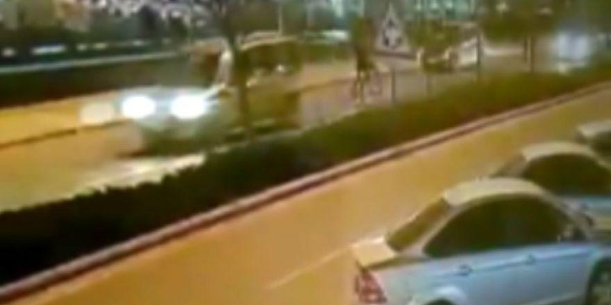 Konyada otomobilin çarptığı genç kız ağır yaralandı! İşte kaza anı