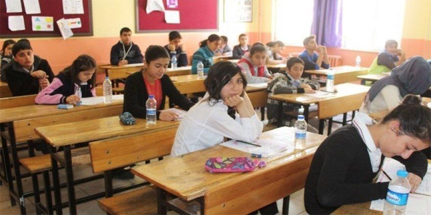 Beyşehir'de ortaokul öğrencilerine yönelik kazanım değerlendirme sınavı yapıldı