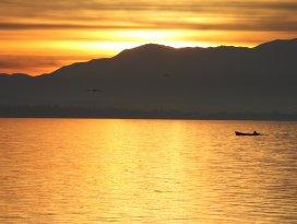 Beyşehir Gölü'nde kartpostallık görüntü