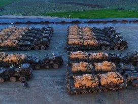 Afrine destek için gönderilen zırhlı araçlar Hatayda
