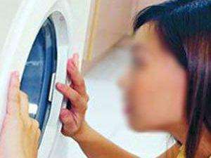 Beş yaşındaki kızını çamaşır makinesinde yıkadı!