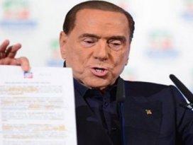 Berlusconi Türkiye modelini önerdi