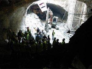 İzmir metrosunda göçük; 2 ölü 4 yaralı