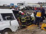 TEMde kaza! Vali ve kaymakam eşleri yaralandı