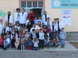 Gençlerden Köy okuluna ziyaret