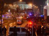 Ünlü isimler Beşiktaştaki hain saldırı sonrası teröre lanet yağdırdı!