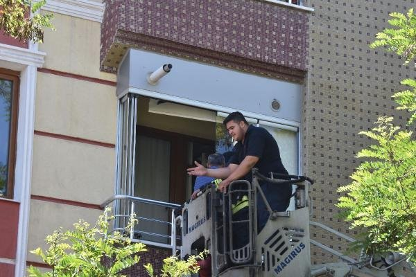 konyada-apartmanda-korkutan-yangin.jpg